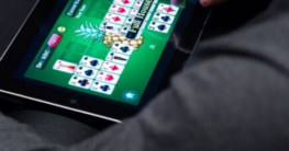 Online Poker boom declines due to the easing of lock-down restrictions